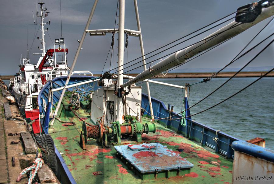 Fishing boat by CharlieMerci