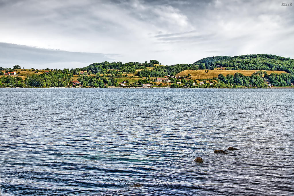 Lac de Paladru by J222R