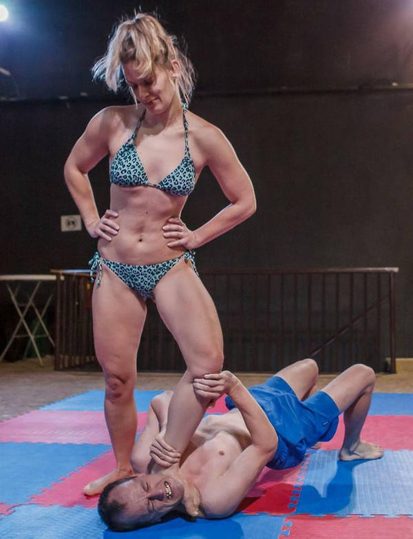 strong-femdom-women-fighting-males-stories