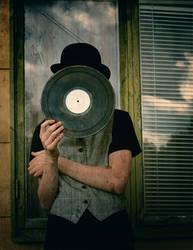 monsieur vinyl by MisterFairytale
