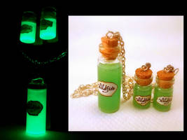 Game of Thrones Inspired Wildfire Vial Necklace by Euphyley