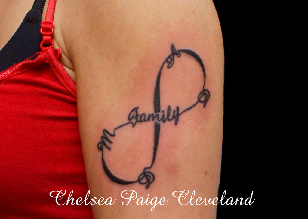 family infinity tattoo by smilinpiratetattoo on deviantart. Black Bedroom Furniture Sets. Home Design Ideas