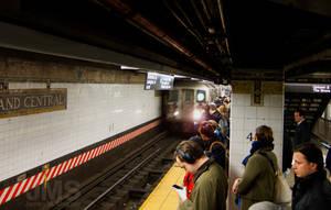 Grand Central Subway Platform by steeber