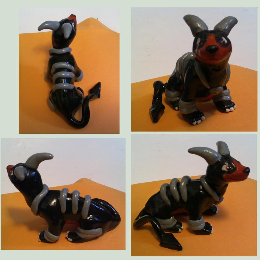 Houndoom Sculpture by sorjei
