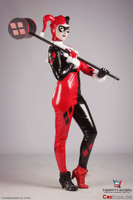 Harley Quinn Cosplay by HaruStrawberry