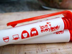 Love everybody - pens
