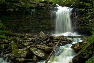 Hills Creek Waterfalls by GoGoGodzirra
