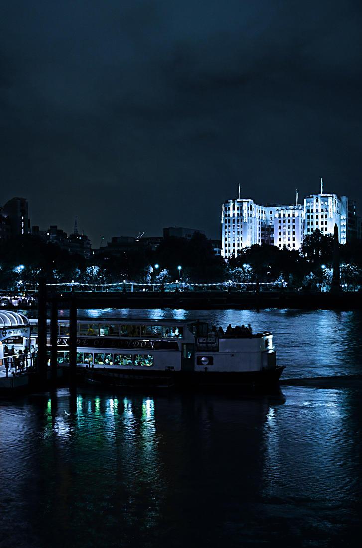 Night pier by Yukihapax