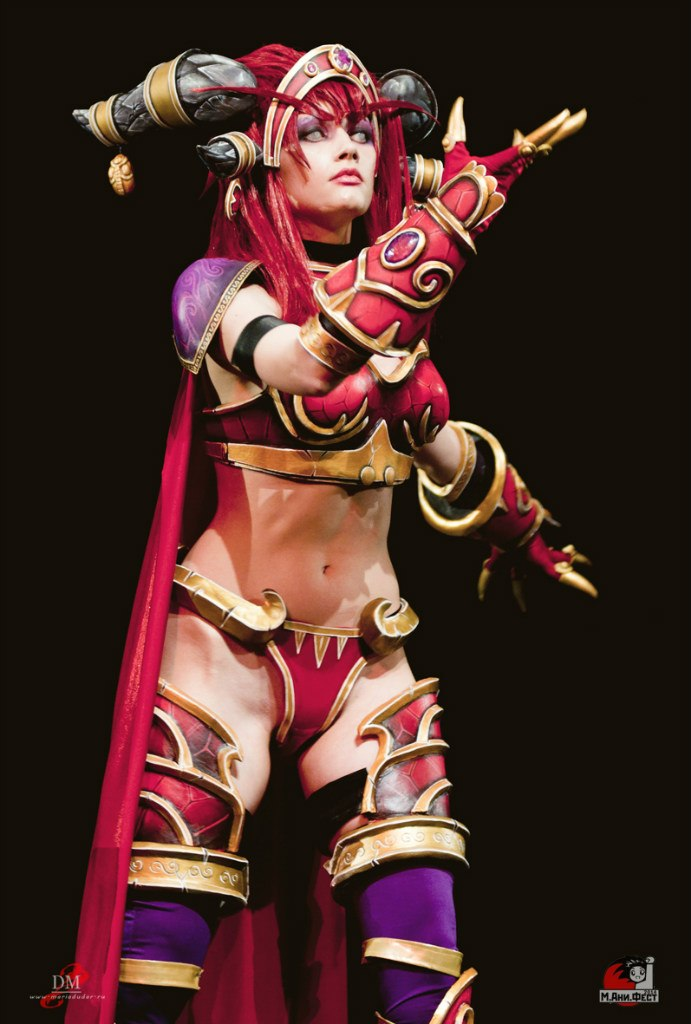 Alexstrasza on stage II by Narga-Lifestream