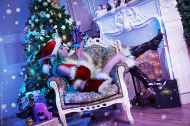 Christmas cosplay - Feast of Winter Veil by Narga-Lifestream