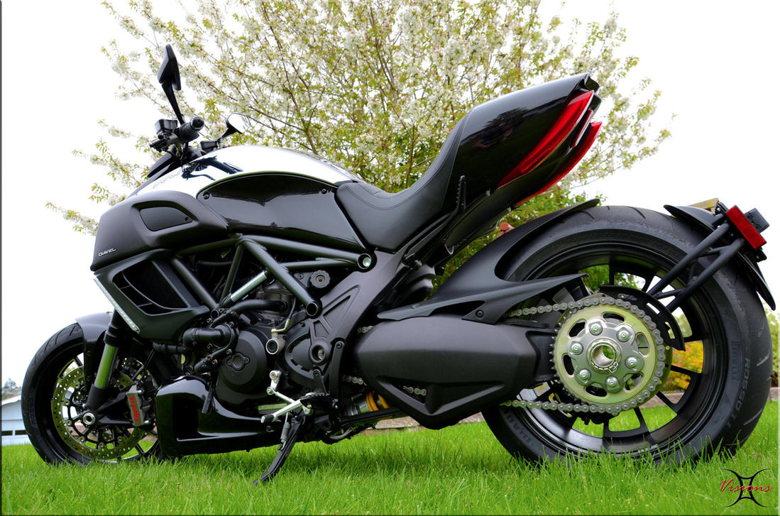 Ducati Diavel Sexy! by ShannonCPhotography