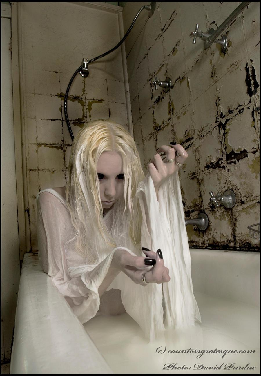 http://fc09.deviantart.net/fs70/i/2010/019/8/2/__unpure___by_Countess_Grotesque.jpg