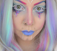 pastel alien by Countess-Grotesque