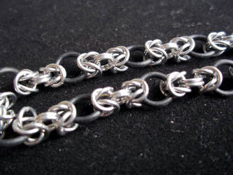Stretchy Chainmaille by SilveredGriffin