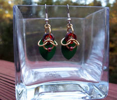 Holly-inspired chainmaille earrings