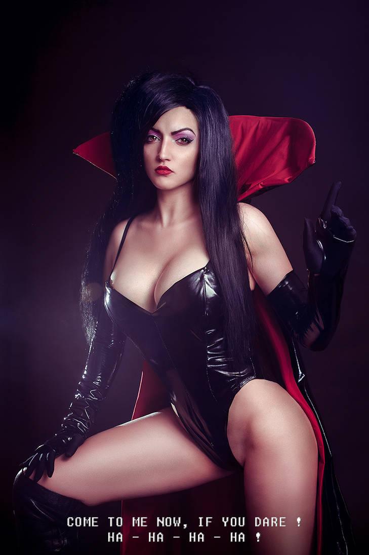 Dark queen by Haji-san