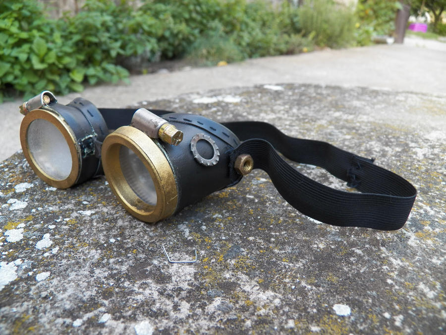 DIY steampunk goggles by Demon-of-Reflection on DeviantArt