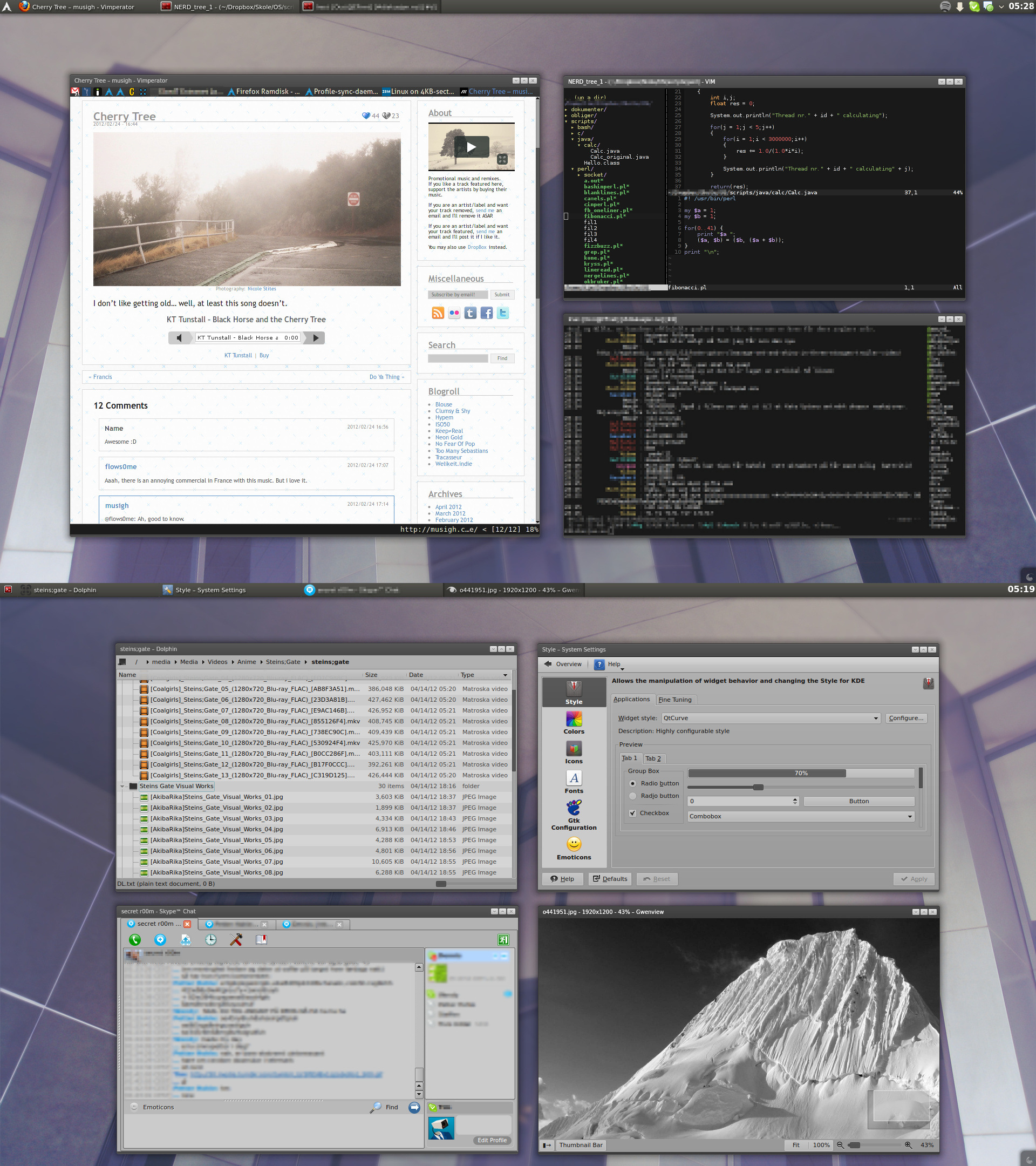 Arch Linux desktop - Smooth gray KDE 4.8 by kjeksomanen