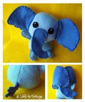 elephant by LoRi-La-Tortuga
