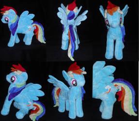 Running Rainbow Dash by PlushPrincess