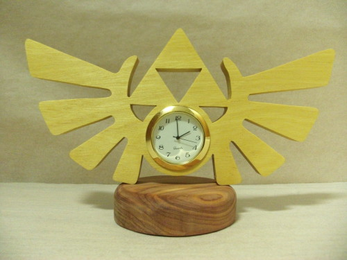Triforce Desk Clock by ichtheria