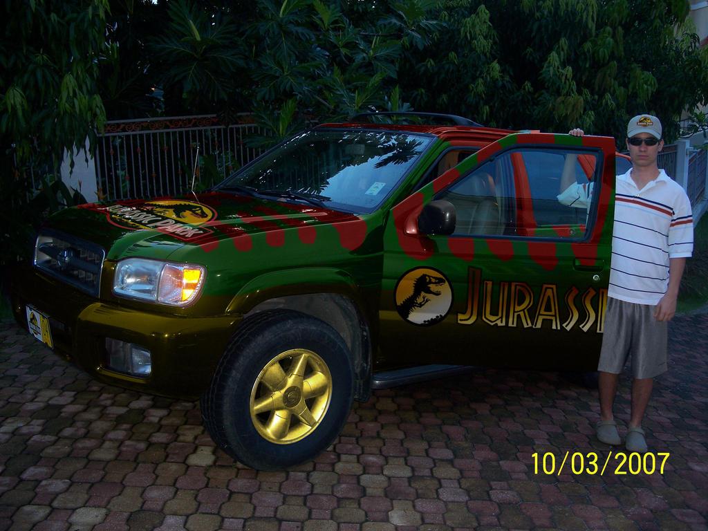 Jurassic_Park_Car_by_Bombillazo.jpg