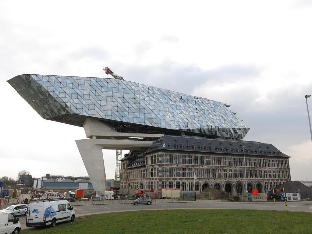 Antwerpen Havenhuis By Zaha Hadid By Kanyiko On Deviantart