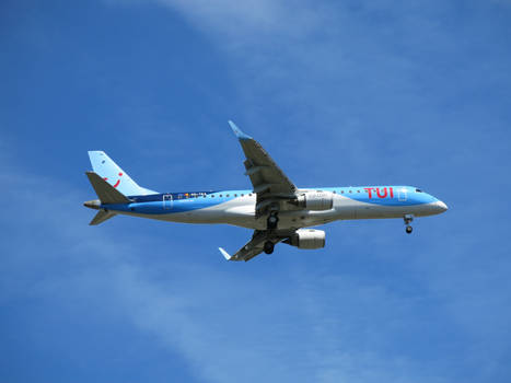 TUI fly TB3902 on approach