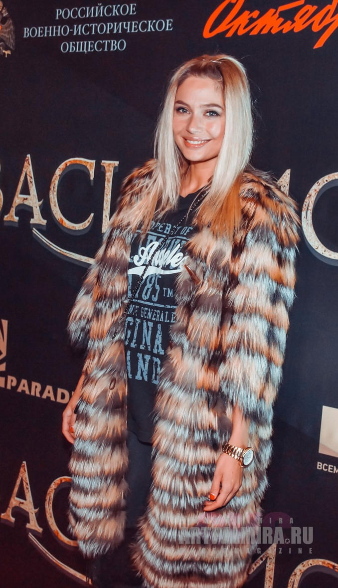 Vlad Lisovets criticizes outfits of stars, but cannot dress his own mother 23.08.2012 44
