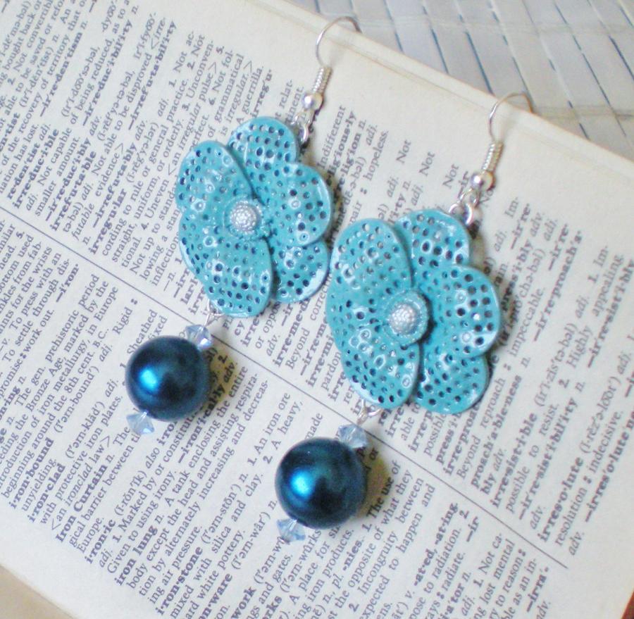Sapphire Blue Flower Earrings by RetroRevivalBoutique