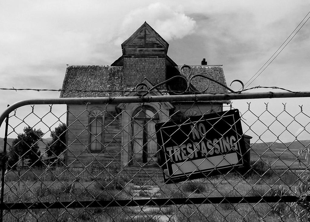 No Trespassing by amordragon