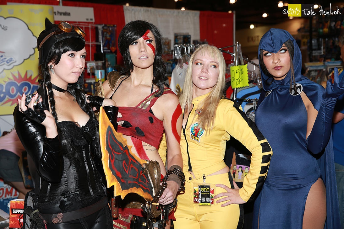 2013 Phoenix Comicon 21 XX Cosplay Girls by tatehemlock