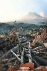 Merapi from Kali Adem by amatirmncobaberkarya