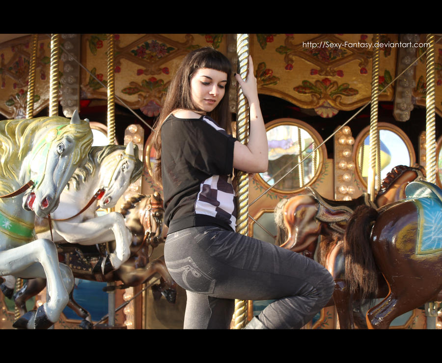 Carousel by DoncellaSuicide