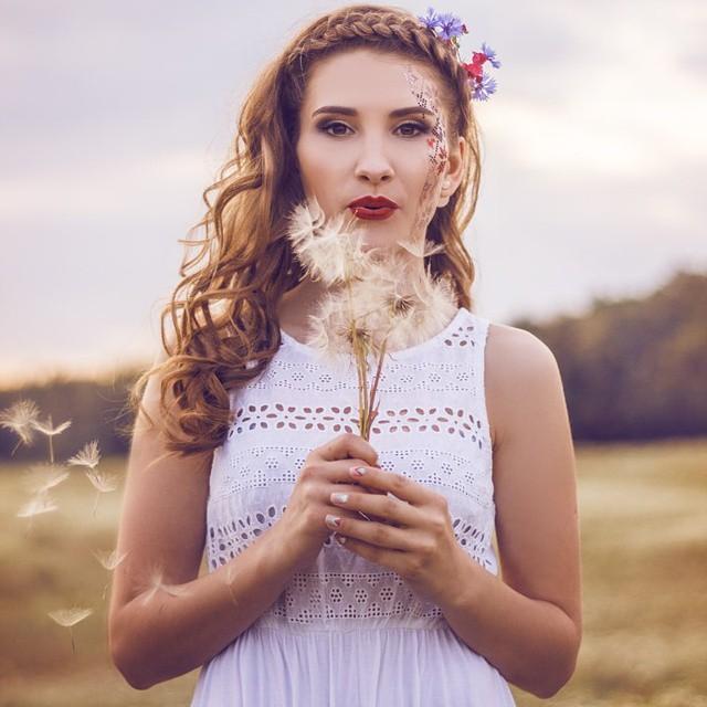 Dandelion Beauty by Diinax3