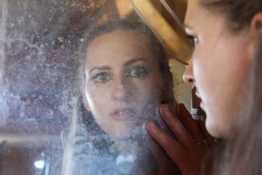 Mirror Mirror by buslimpan