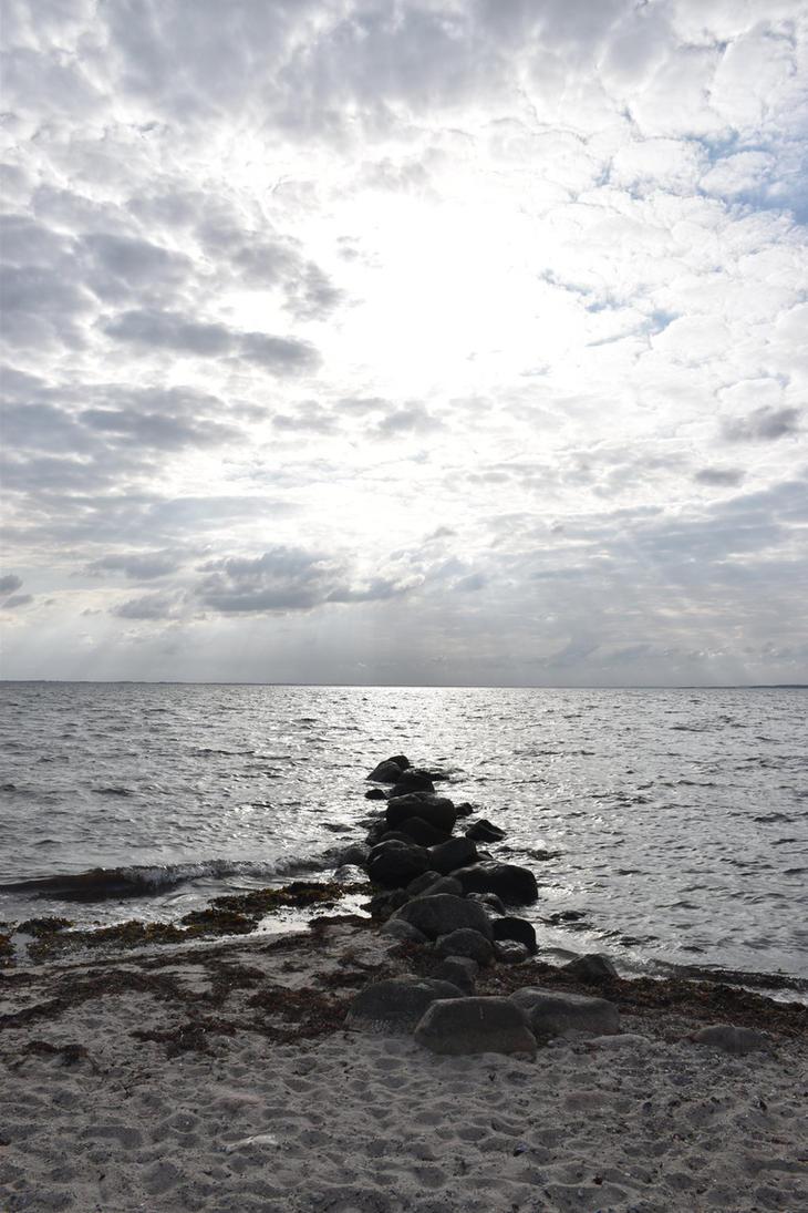 Crown over rocks by Crysomandiaz