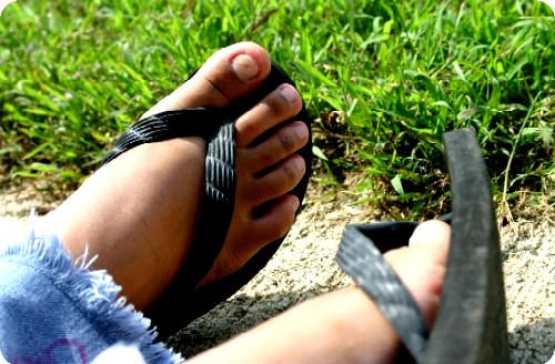 hello feet by lookieloo