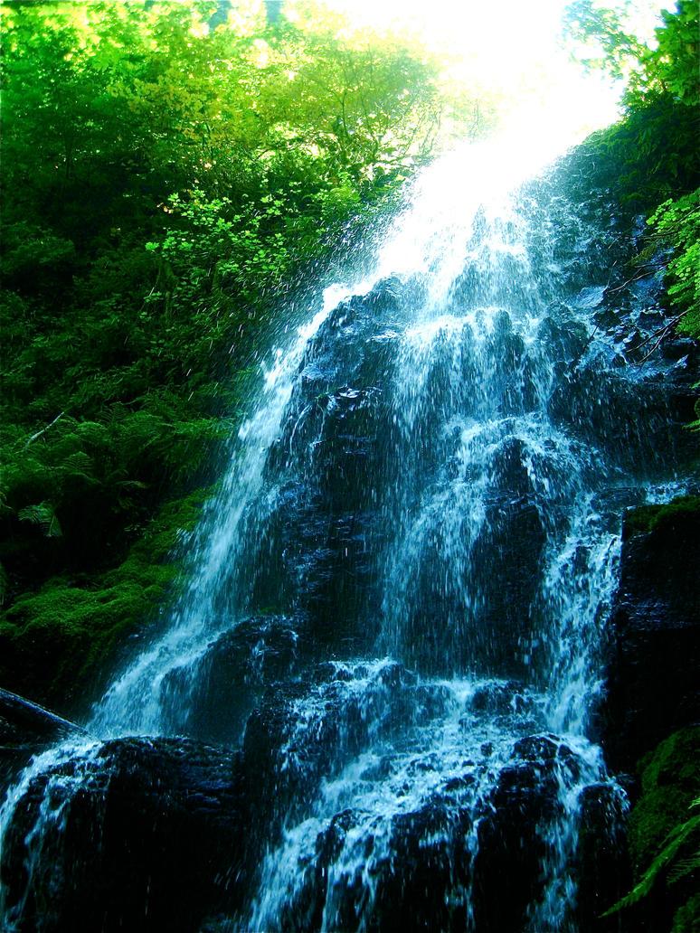 Waters of the Wahkeena by ella-vere