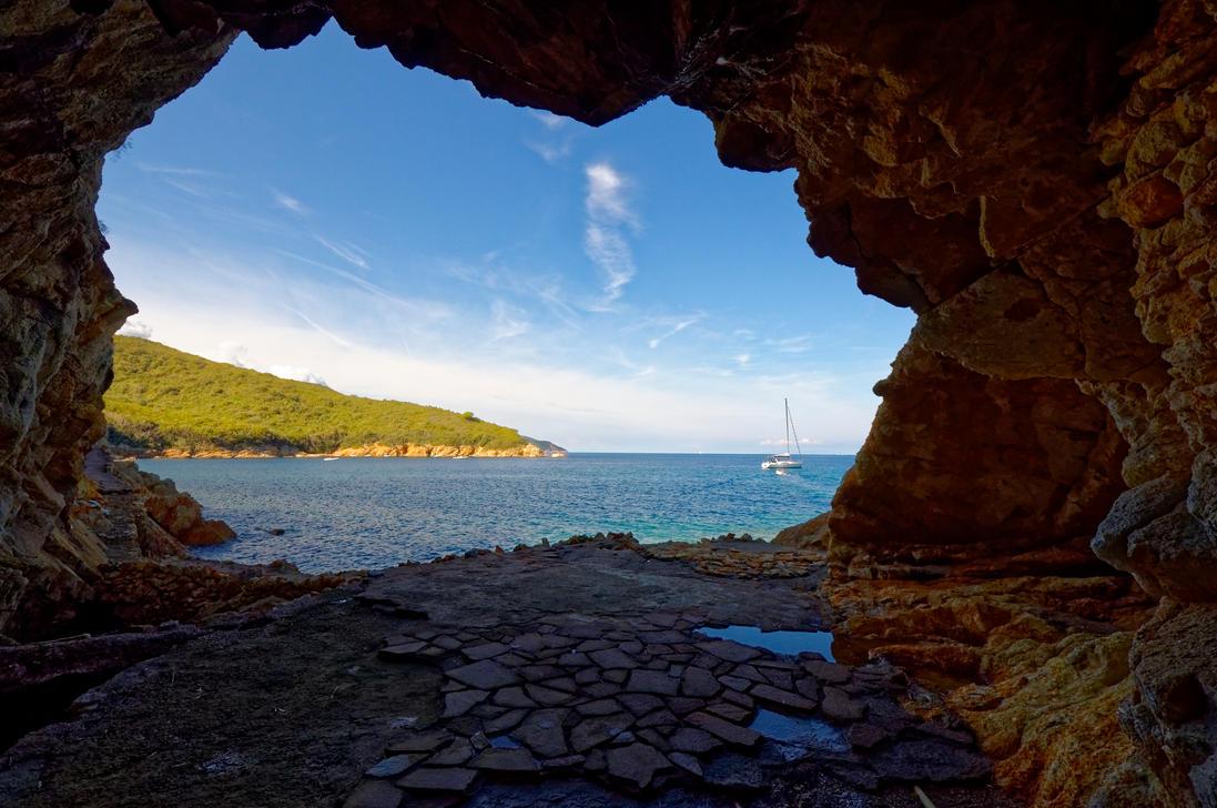 La Grotta by Thecrymaker