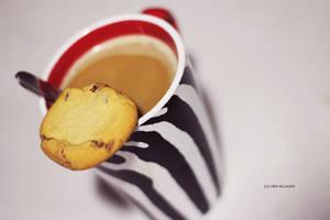 Midnight Snack. by starryskiiies