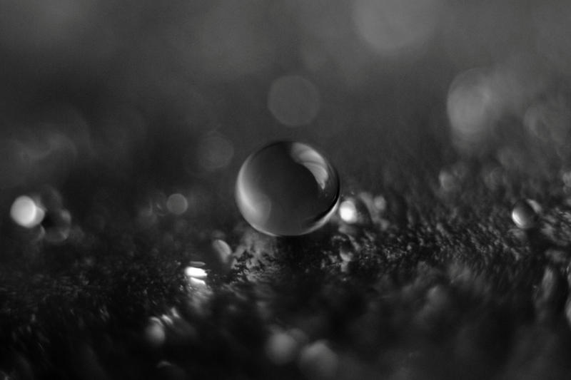 droplet by hvitvin