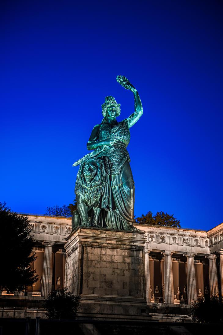 Bavaria statue by raz-draz