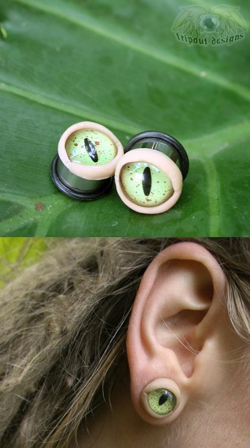 Eye Plugs - Green Creature by JulieBeloussow