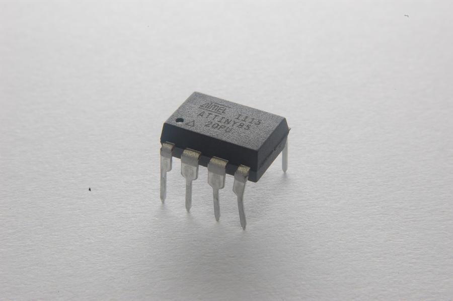 Atmel Attiny85 Microcontroller by underitall