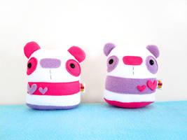 Valentine's Pandas by casscc