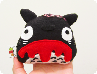 Zombie Totoro by casscc