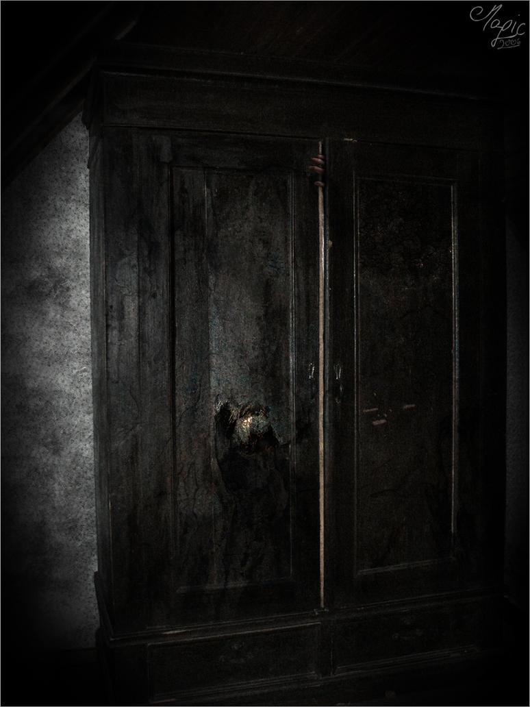 Dark Closet by MrM4gic ...