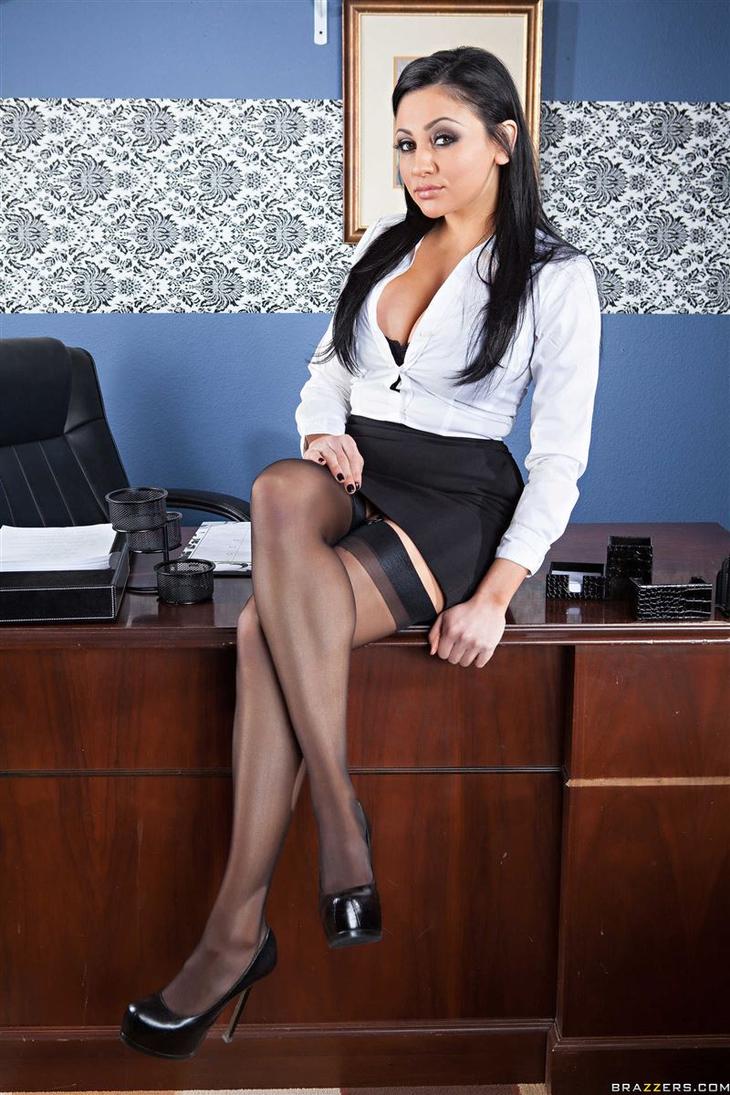 Audrey Bitoni Will Den Boss