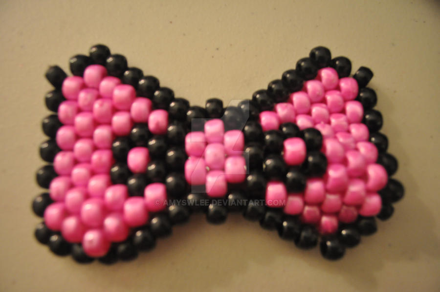 Hello Kitty Bow Clip by amyswlee